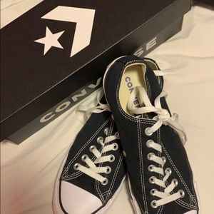 Black and White All Star Converse (unisex)